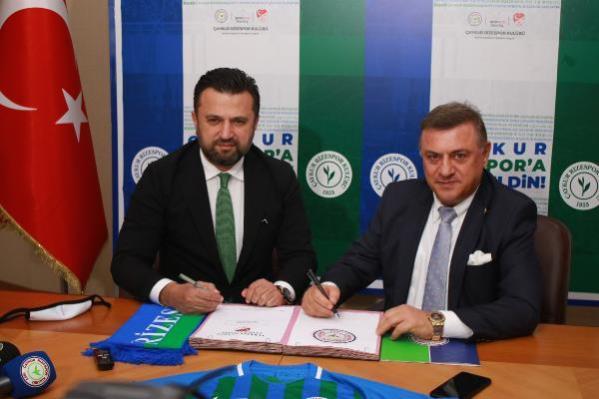 SPOR Bülent Uygun, Çaykur Rizespor'da boş mukaveleyi imzaladı