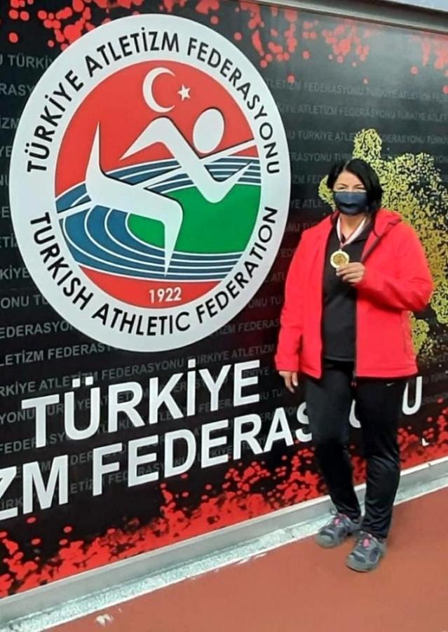 İzmit Belediyesporlu atlet şampiyonluğa gülle attı