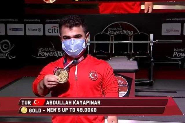 Sivaslı 'Minik Herkül' dünya şampiyonu oldu!