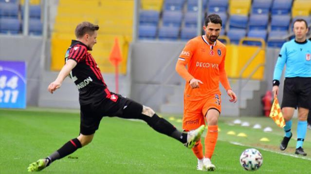 Süper Lig'in 29. haftasında Başakşehir, deplasmanda Gençlerbirliği'ni 1-0 mağlup etti